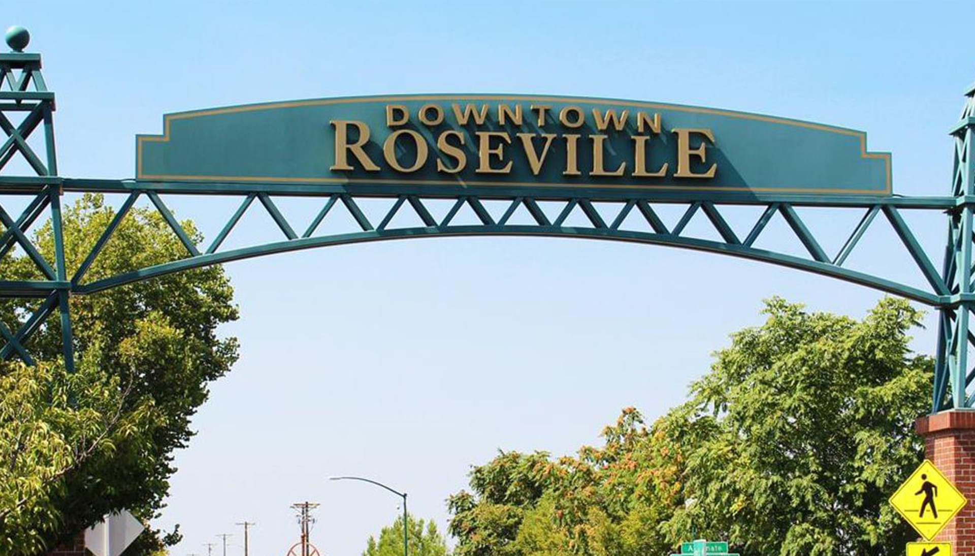 Downtown Roseville sign